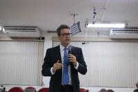 Dr. Ronaldo Cramer faz palestra na Câmara Municipal de Piraí.