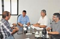"""Integrantes do movimento """"Direita Piraí"""" são recebidos pela presidência da Câmara"""