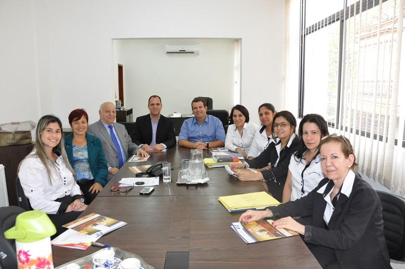 O Legislativo de Piraí assina convênio com o CIEE
