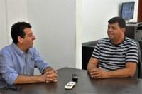 Presidente da Câmara recebe visita de representantes do Legislativo de Mendes