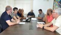 Vereadores recebem representante de empresa transportadora de produtos farmacêuticos